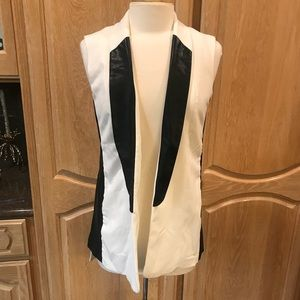 White trendy chic vest  w/ faux leather